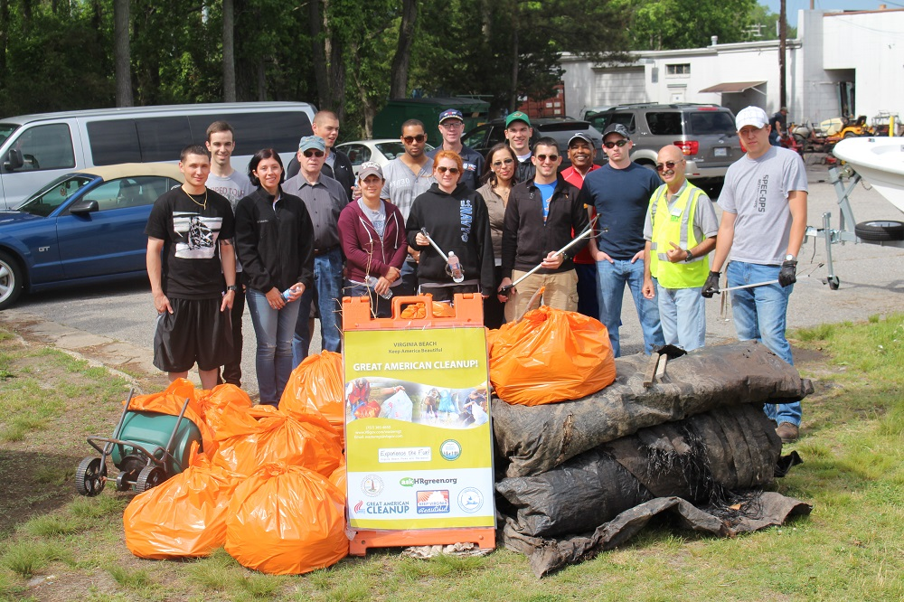 20140521_VBCCC-volunteers-london-bridge-vb-blvd-cleanup2.jpg